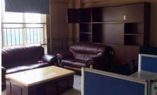 解放路江滨沿江小区顶楼,楼中楼260平方,办公装修,5000元每月1室1厅1卫300m²