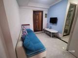 优惠价,两房一厅一卫一厨租3200元一个月,家具家电齐全