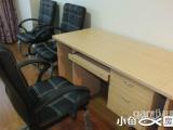 万达小型写字楼44平带办公家具出租白菜价2000每月