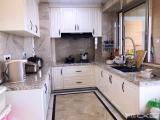 阿罗海广场天源小区5室3厅3卫246m²