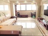 海沧房产站旁,厦门二号地铁口,海福广场电梯12楼,豪装三房,看房随时方便。