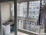 岭兜小区一房一出一阳台随时看房租金2300元