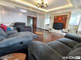 黄金楼层,房型正气,高装三房,可轻松改四房。可拎包入住