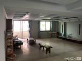 超大楼中楼单价16500!!!230m²降价急售!!!抢到就是赚到!!!超精美装修!楼上有大储物间3室2厅4卫230m²